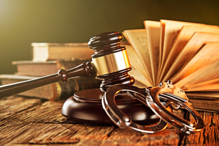 3 Things to Look for in a Criminal Lawyer